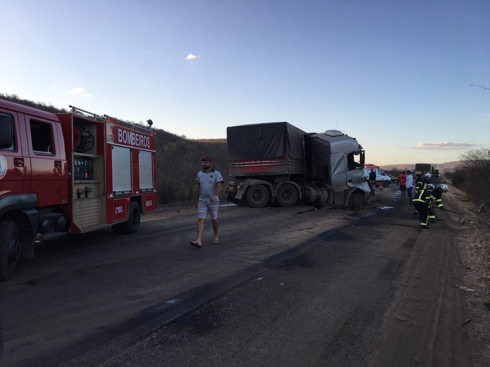 Acidente aconteceu nesta sexta-feira (23) — Foto: Gazeta 5