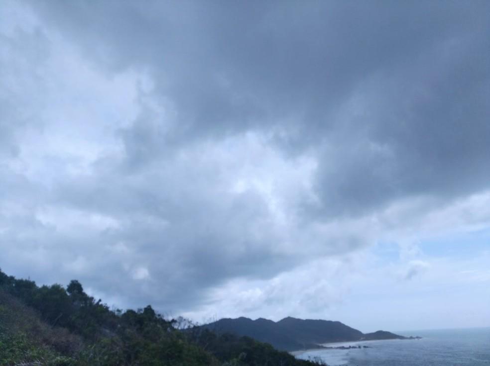 Amanhecer em Florianópolis — Foto: Caroline Borges/Arquivo/G1 SC