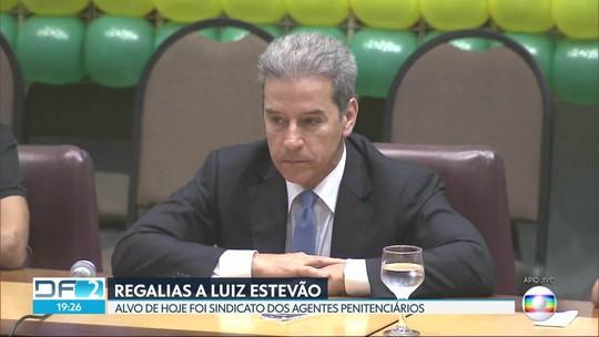 Polícia recolhe computadores de sindicato de agentes penitenciários; investigação apura regalias a Luiz Estevão