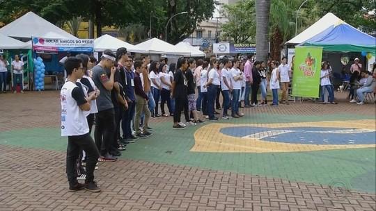 Estudantes apresentam ideias empreendedoras durante feira em Ourinhos