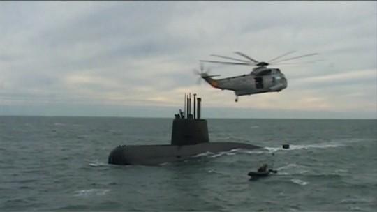 Presidente da Argentina pede explicações aos militares sobre desaparecimento de submarino
