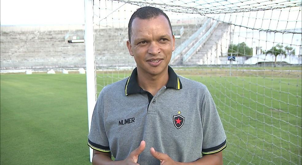 Warley Santos é ex-jogador da seleção brasileira e tem passagens pelos times do São Paulo, Grêmio e Palmeiras. (Foto: Reprodução/TV Cabo Branco)