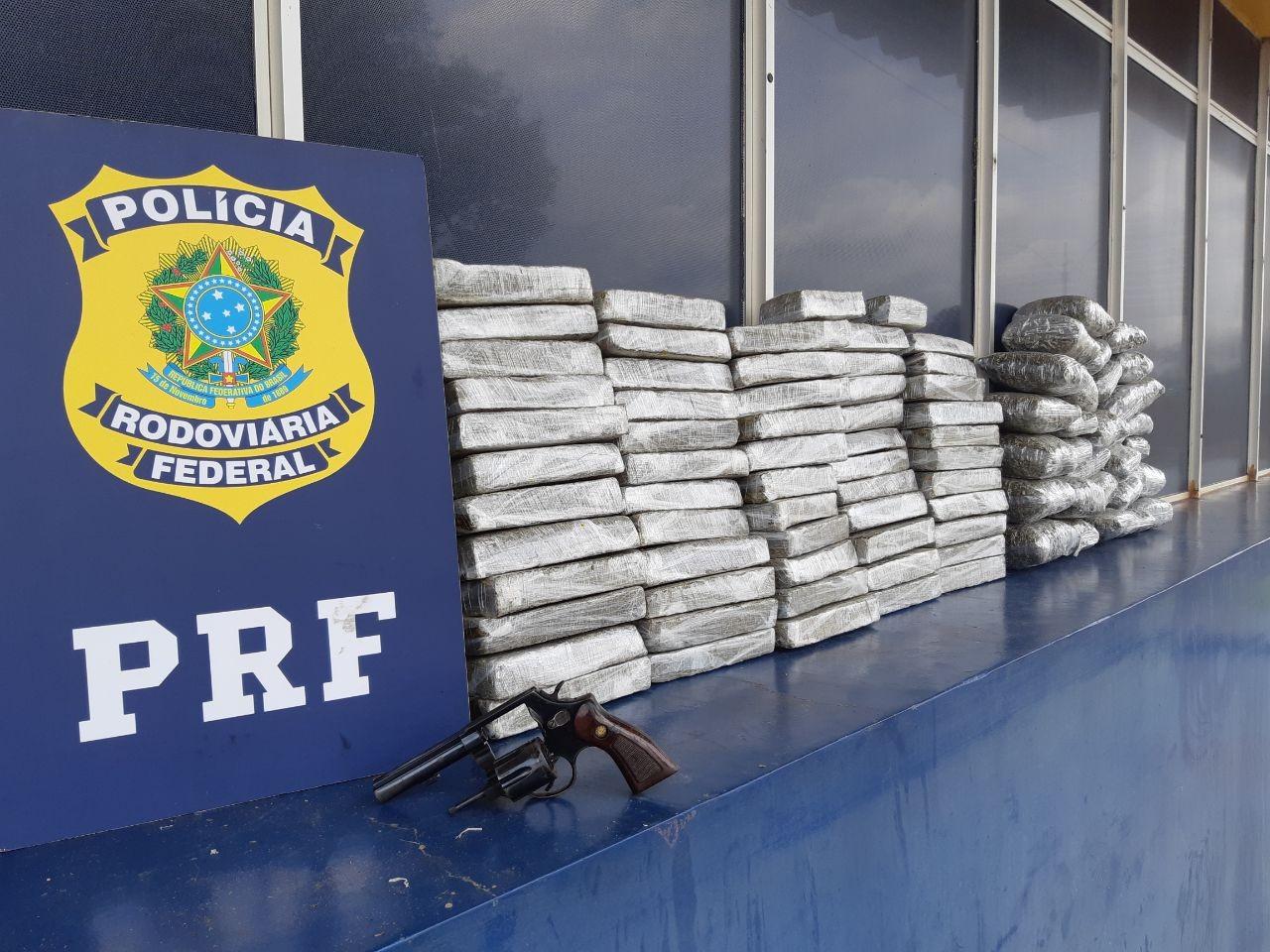 PRF apreende quase 58 kg de maconha e uma arma na BR-277, em Santa Terezinha de Itaipu - Notícias - Plantão Diário