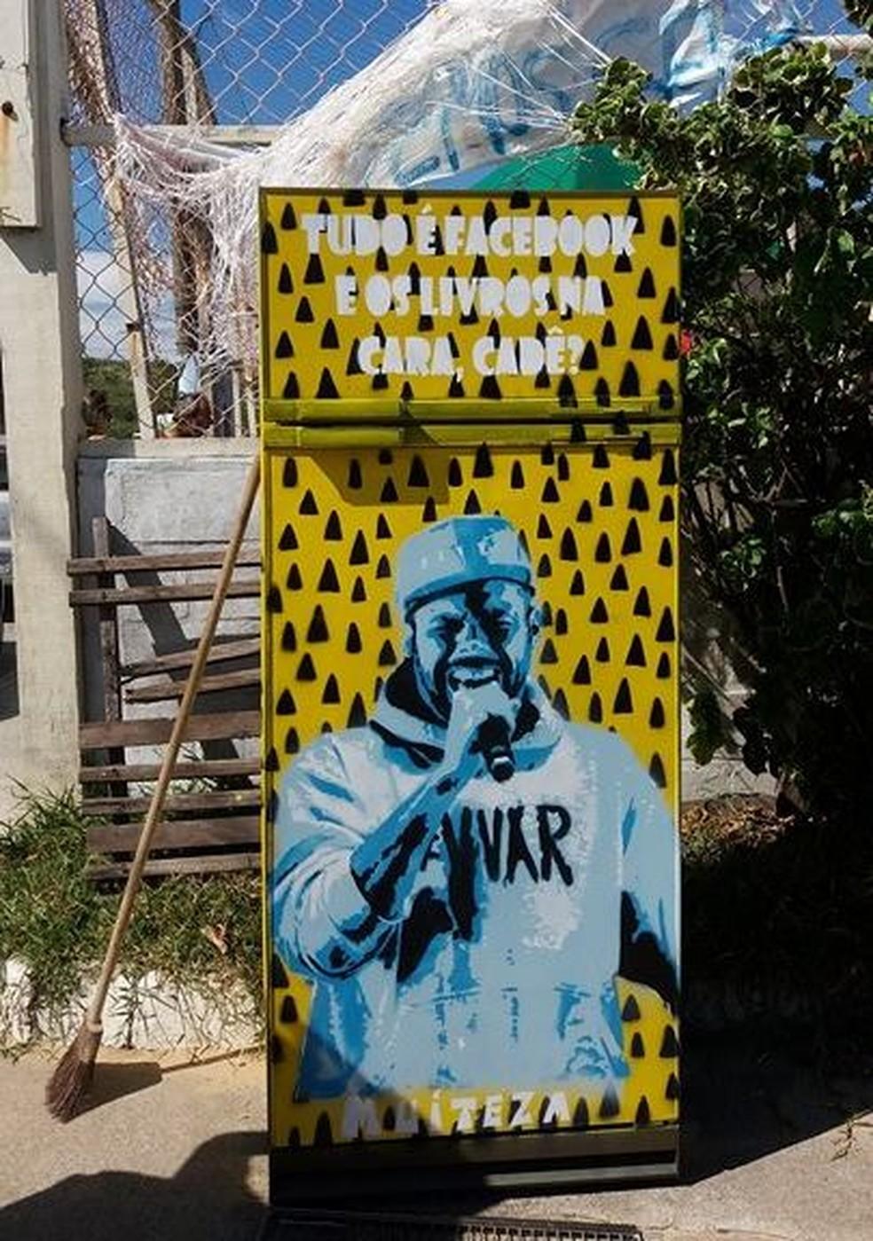 Geladeiras personalizadas têm atraído a atenção dos moradores de Rio das Ostras, no RJ (Foto: Divulgação/Grave Coletivo)