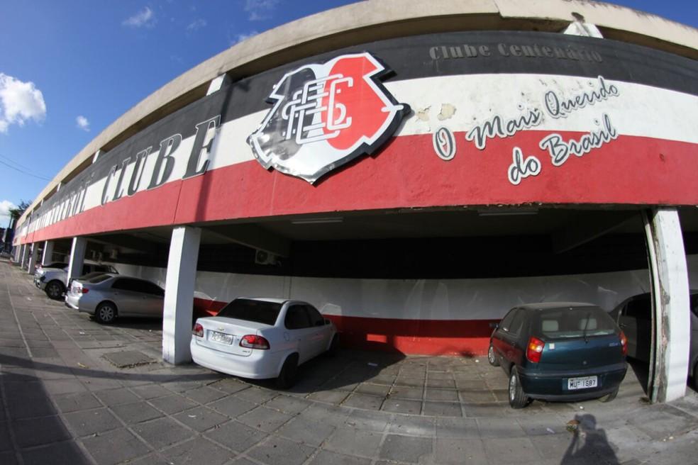 Sede Santa Cruz Arruda — Foto: Marlon Costa / Pernambuco Press