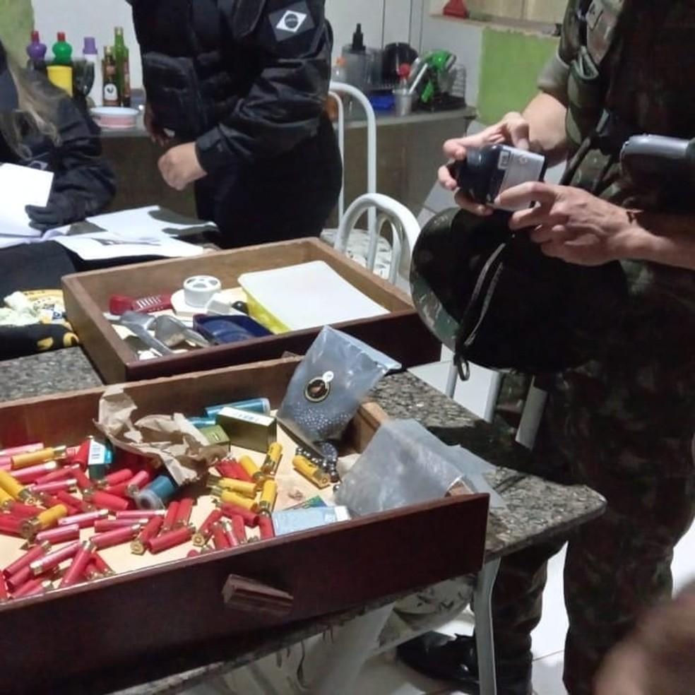 Centenas de munições foram apreendidas pelos agentes em Rondônia — Foto: PC-RO/Reprodução