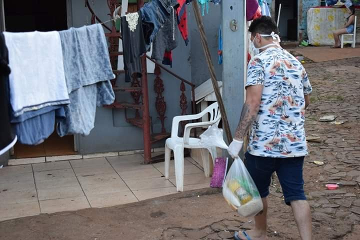 Central Única das Favelas do RS inicia doações de 23 toneladas de alimentos e 15 mil produtos de higiene em Porto Alegre