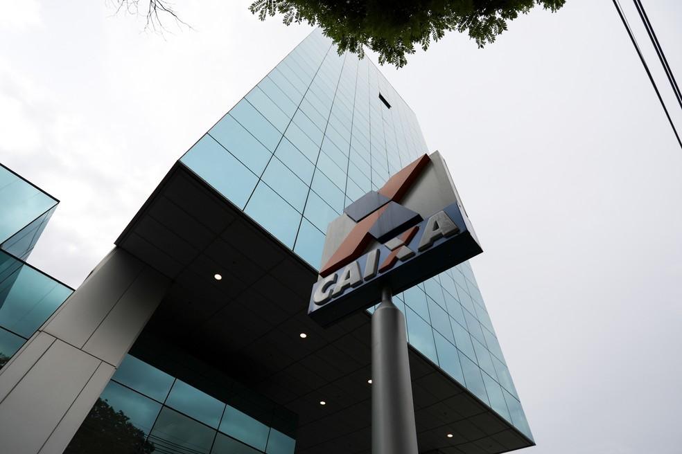Placa do banco Caixa Econômica Federal  (Foto: Marcelo Brandt/G1)