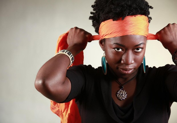 """Joy Buolamwini que fundou um grupo para evitar """"interpretações preconceituosas"""" dos algorimos (Foto: TJ Rak/MIT)"""