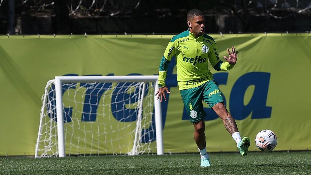 Palmeiras negocia empréstimo de lateral-esquerdo com time da MLS