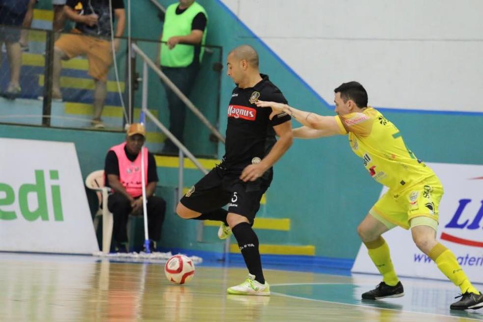 Eder Lima em confronto contra o Marechal Rodon  — Foto: Guilherme Mansueto/Magnus Futsal