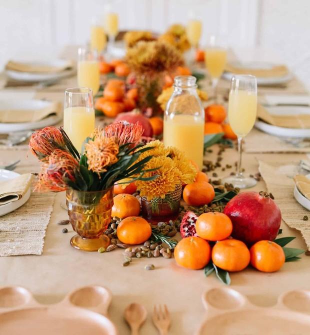 Laranjas, romãs e castanhas no centro de mesa comestível (Foto: Reprodução Pinterest)