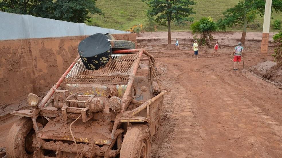 Barra Longa foi a única área urbana invadida pela lama de rejeito (Foto: Antonio Cruz/Agência Brasil)