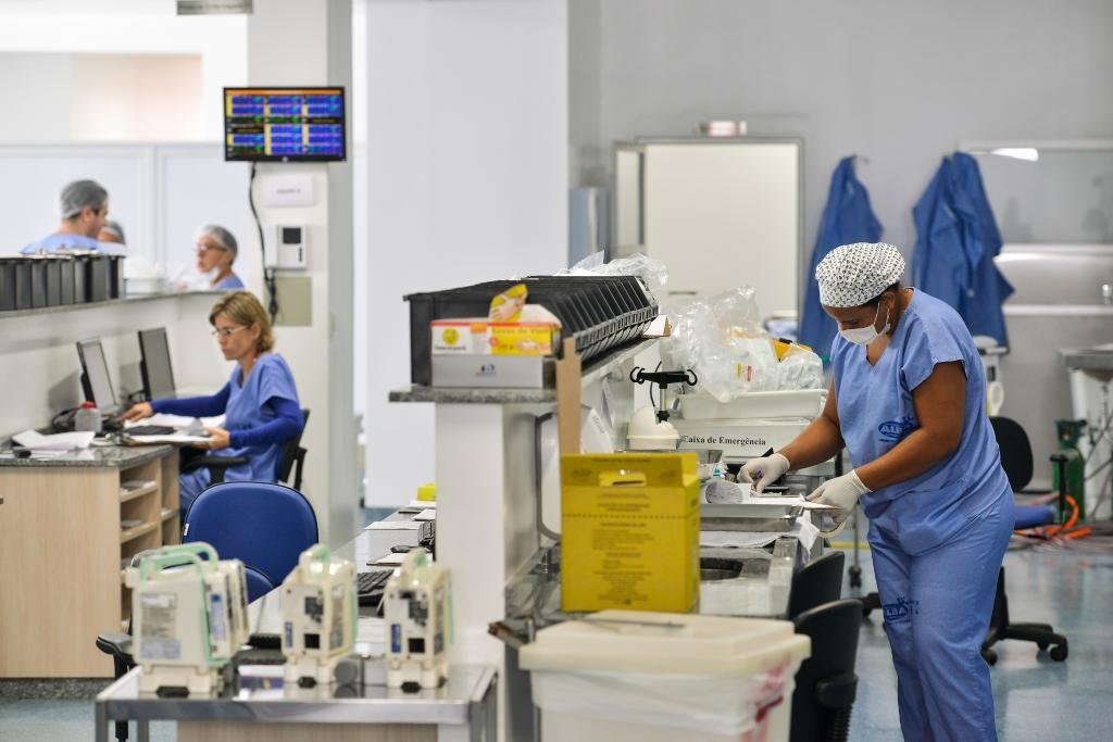 Governo abre inscrições para contratar 751 profissionais de saúde em MT
