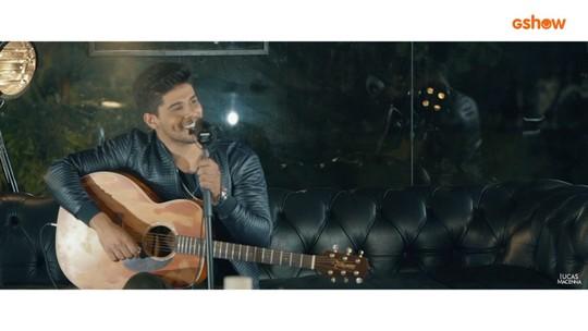 Assista ao clipe 'Réu Primário', do cantor Lucas Macenna