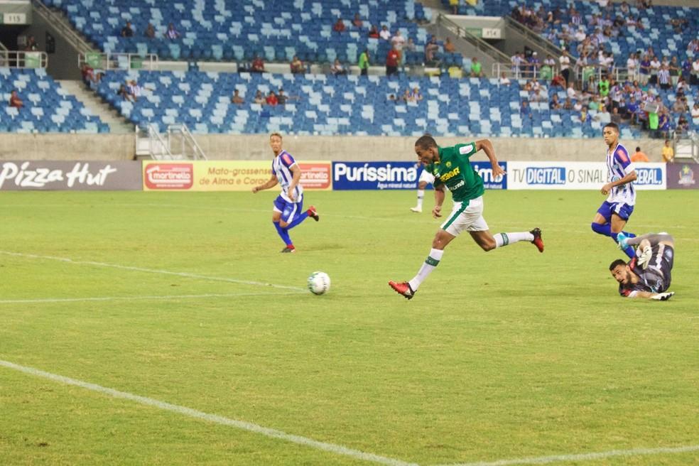 Jenison marcou o primeiro gol da partida (Foto: Pedro Lima/CuiabáEC)
