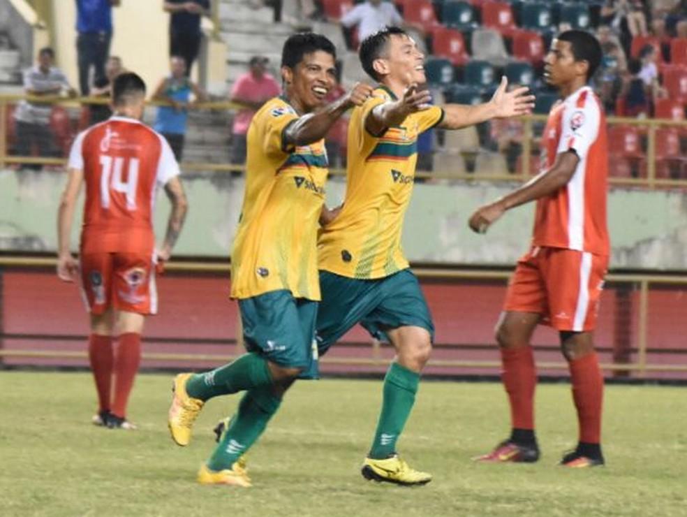 Ciel comemora um dos nove gols marcados no Acreano 2018; meia foi peça fundamental no vice-campeão Galvez, que garantiu calendário cheo para 2019 (Foto: Manoel Façanha/arquivo pessoal)