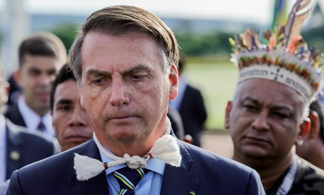 Bolsonaro recebe visita de indígenas no Palácio da Alvorada