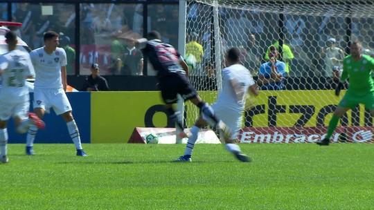 """Vasco zoa Fluminense após terceira vitória sobre o rival em 2019: """"Freguesia"""" e """"é o destino"""""""