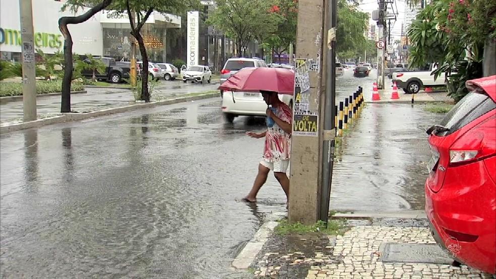 Ceará deve ter chuvas diárias até meados de abril, prevê Funceme (Foto: TV Verdes Mares/Reprodução)