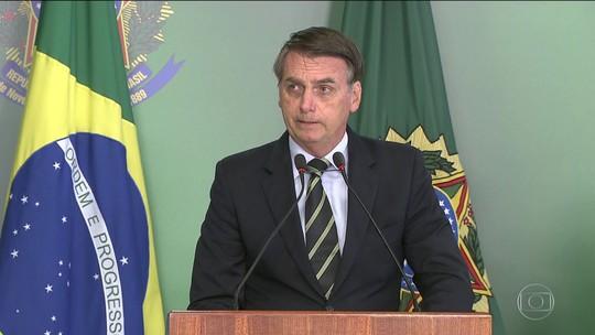 Bolsonaro assina decreto que facilita posse de arma