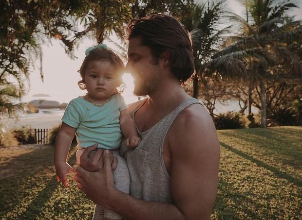 O ator se sente completo com Madalena, mas pretende ter outros filhos (Foto: Reprodução/Instagram)
