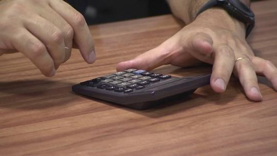 Como calcular o salário dos funcionários