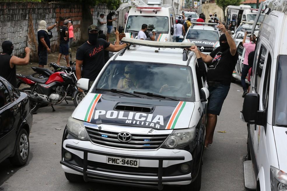 Policiais são investigados por motim no Ceará em meio a uma crise na segurança pública — Foto: José Leomar/SVM