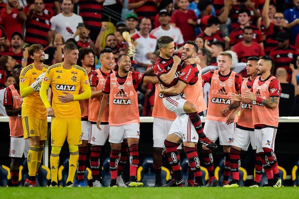 Diego comemora gol que deu vitória magra ao Flamengo no Maracanã (Foto: Alexandre Loureiro/BP Filmes)