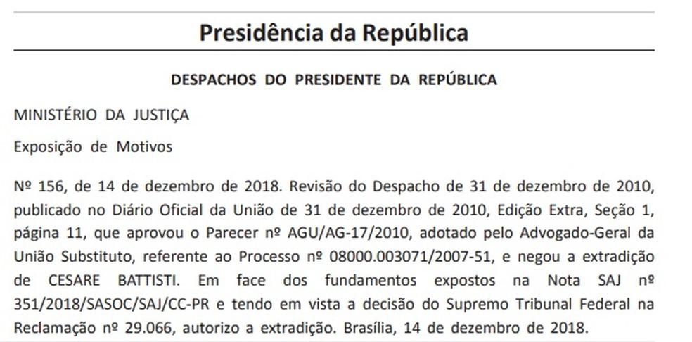 Decreto assinado pelo presidente Michel Temer autorizando a extradição de Battisi — Foto: Reprodução/'Diário Oficial'