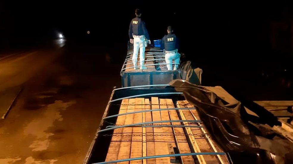 Duas apreensões foram feitas em menos de 24 horas na BR-364 em Rondônia.  — Foto: Divulgação/PRF