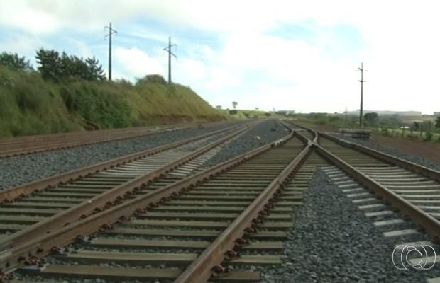 Trilhos da Ferrovia Norte-Sul em Anápolis Goiás (Foto: Reprodução/TV Anhanguera)