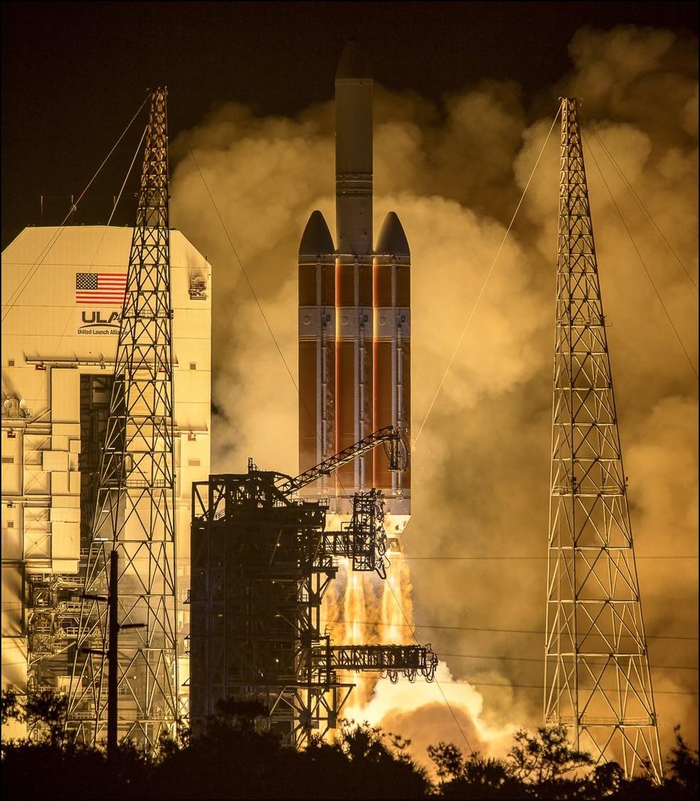 Lançamento de missão da Nasa que vai 'tocar' o Sol  (Foto: Reprodução/Twitter)