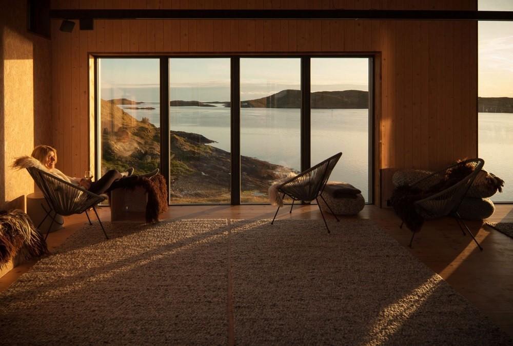 A habitação criada especialmente para admirar a vista é chamada de Casa da Torre  (Foto: Pierrre Wikberg/Reprodução)