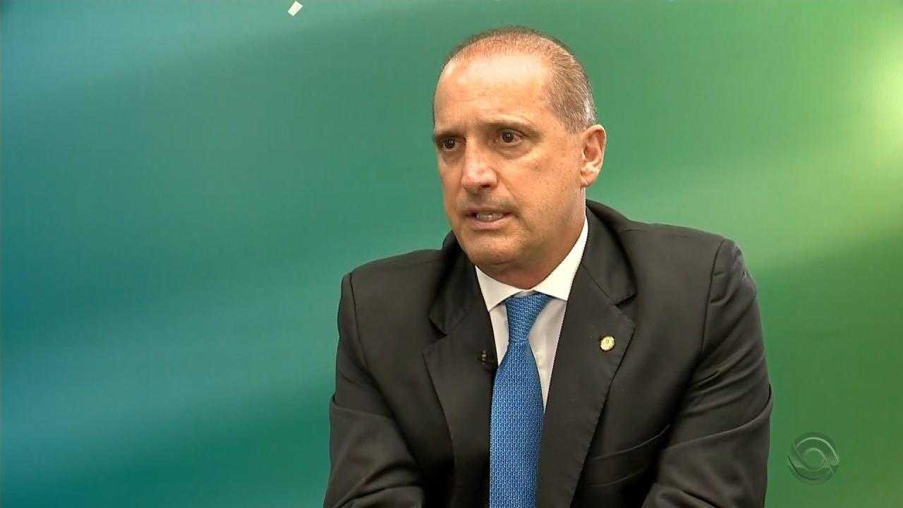 Bolsonaro recria o Ministério do Trabalho e nomeia Onyx Lorenzoni titular da pasta