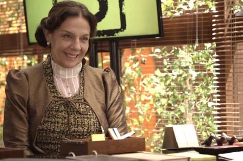 'O tempo não para': Rosi Campos é Agustina (Foto: TV Globo)