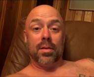 Astro de reality famoso por participantes nus é preso por voyeurismo