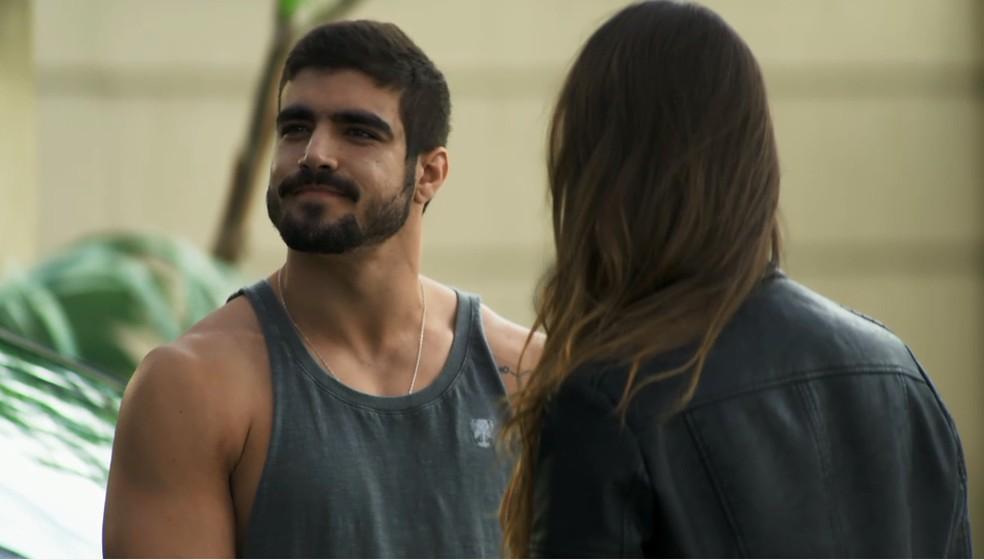 Rock (Caio Castro) não suporta saber que foi enganado pela ex-noviça, em 'A Dona do Pedaço' — Foto: TV Globo