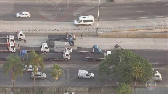 Caminhoneiros protestam em 22 estados e no DF contra preço do diesel