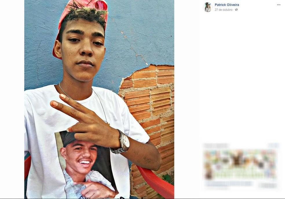 Assaltante foi identificado como Patrick de Oliveira, segundo a Polícia Civil (Foto: Facebook/Reprodução)