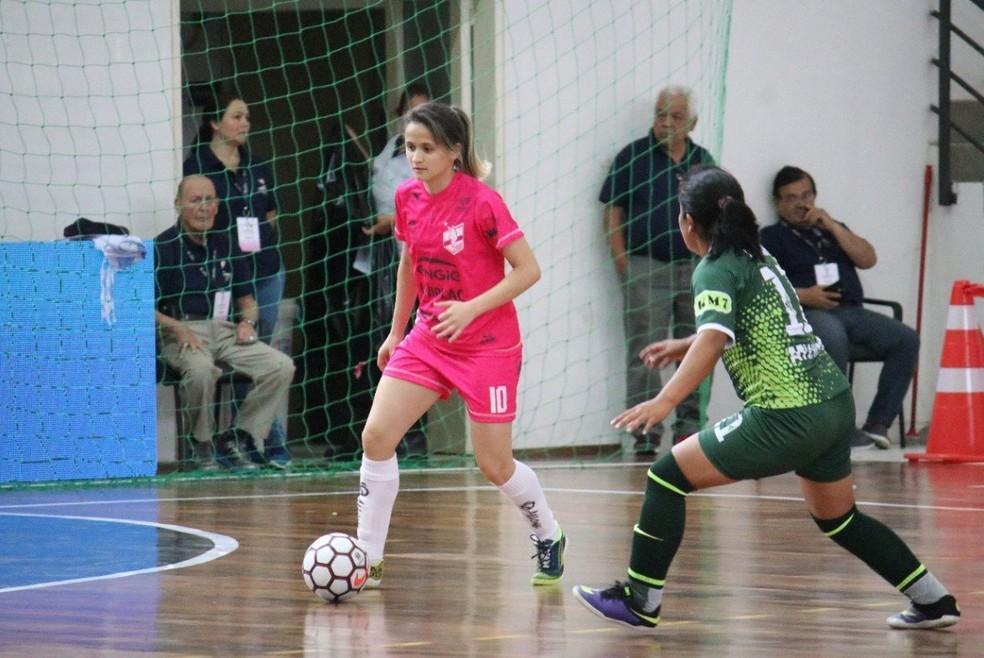 Amandinha joga atualmente no Leoas da Serra, de Lages-SC — Foto: Divulgação