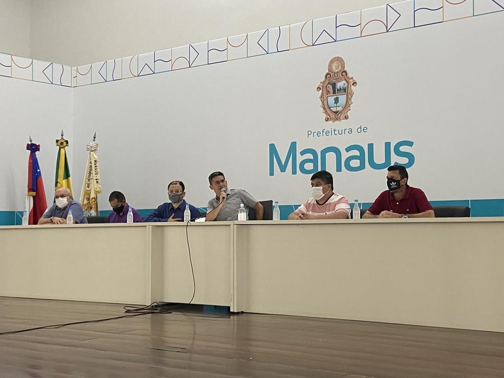 Prefeito de Manaus, David Almeida, disse que lista com nomes de pessoas que foram vacinadas foram encaminhadas para órgãos de controle. — Foto: Patrick Marques/G1 AM