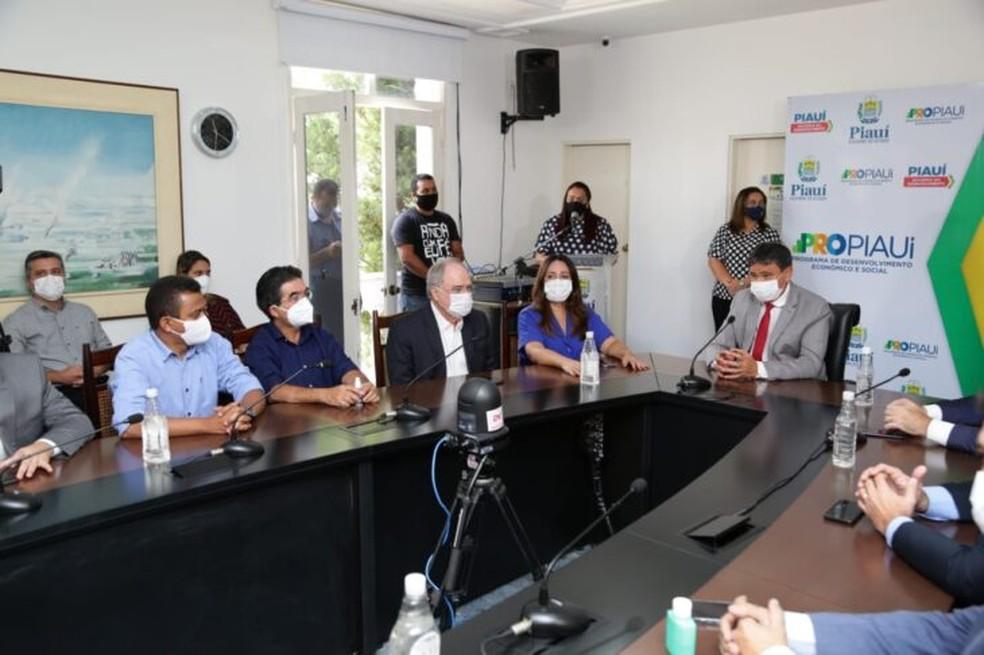 Governo começa a distribuir insumos para vacinação contra Covid-19 para cidades do Piauí — Foto: Governo do Piauí