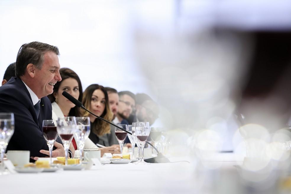 O presidente Jair Bolsonaro durante café da manhã com jornalistas — Foto: Marcos Corrêa/Presidência da República