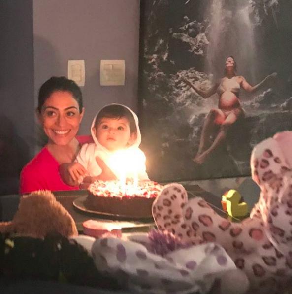 Carol Castro comemora os 11 meses de Nina (Foto: Reprodução / Instagram)