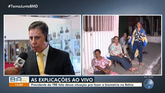 Eleitores passam até 28 horas na fila para fazer recadastramento biométrico em Simões Filho