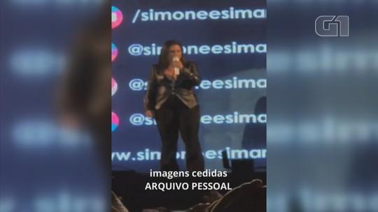 Simone faz show sozinha em evento no interior de SP: 'Simaria está internada'; vídeo