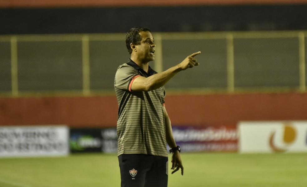 Rodrigo Chagas, técnico do Vitória — Foto: Pietro Carpi/EC Vitória