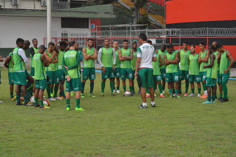 Mais de um time inteiro foi contratado pela Portuguesa para o Carioca (Foto: Divulgação/Portuguesa)