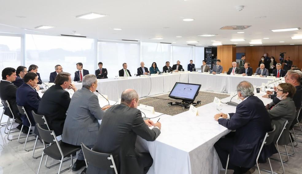 Supremo divulga nesta sexta vídeo de reunião de Bolsonaro com ...